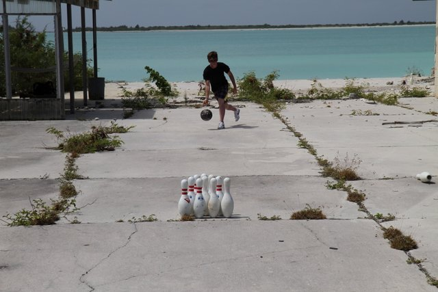 Wake Atoll, Bowling on Wake Island